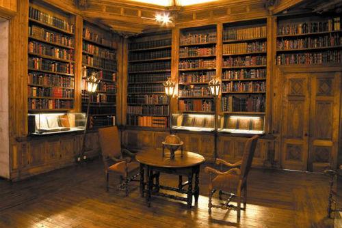 Foto: Biblioteca antiga